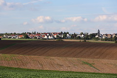 Countryside (Wellandok) Tags: shadow village farmland vari kla