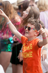 2015_CarolynWhite_Friday (78) (Larmer Tree) Tags: sunglasses dance child friday 2015 handsintheair mainlawn carolynwhite