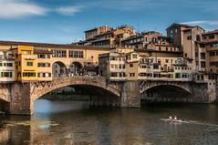 Ponte Vecchio (edelweisskoenig) Tags: italien bridge italy 35mm river boot boat florence nikon europa europe eu rowing arno nikkor brcke fluss pontevecchio florenz dx toskana rudern tuskany d300 ruderer 35mmf18g