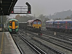 Busy Wet Redhill (Deepgreen2009) Tags: autumn wet rain station weather diesel railway southern busy redhill freight gwr ews