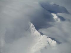 Clouds on Mt Muir (Sotosoroto) Tags: snow mountains alaska aerial glacier mtmuir mountmuir chucagh colonyglacier