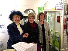 Stockbridge (HerryLawford) Tags: christmas kitchen shop shopping evening clare stockbridge balding 2015