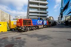 On the joy stick (jaeschol) Tags: switzerland railway sbb locomotive zrich kreis5 shunter shunting hardbruecke swissmill dieselhydrauliclocomotive am843