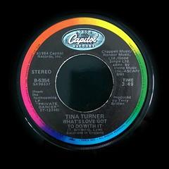 2017-01-02_08-45-40 (capleez) Tags: vinylrecords 45s tinaturner