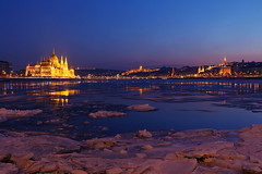 Ice world (nikoletta.szakaly) Tags: budapest hungary danube ice cold winter river parliament chainbridge castle blue bluehour
