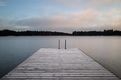 peaceful (Julien Stalder) Tags: julienstalder finland finlande suomi mer sea landscape nuages clouds ponton