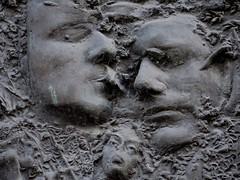 Sculptures near Manchester Piccadilly Station (stillunusual) Tags: manchester mcr city england uk journey partnershipart statue sculpture art artwork publicart contemporaryart modernart face head 2017