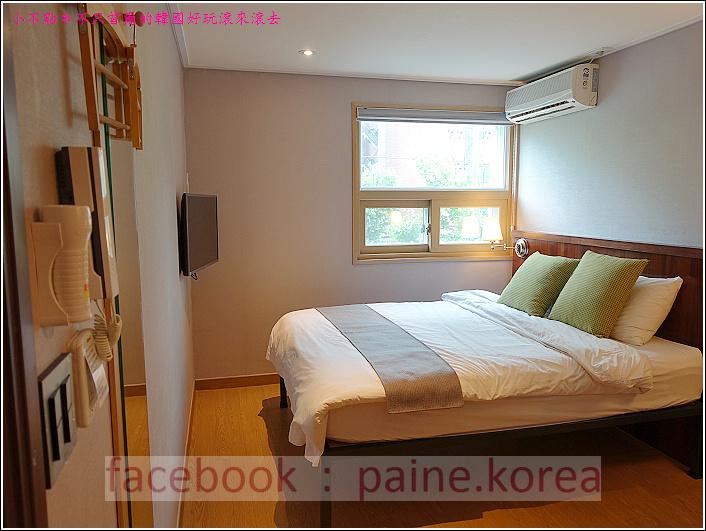 弘大Loft8 Hostel (7).JPG
