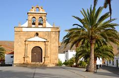 Vega de Rio Palma, kerkje Virgin de la Pea, Fuerteventura 2015 (wally nelemans) Tags: church fuerteventura canaryislands kerk islascanarias 2015 canarischeeilanden vegaderiopalmas iglesiavirgindelapea