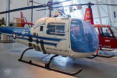 Bell H-13J (raphaelbrescia) Tags: museum virginia smithsonian museu aviation hangar boeing hazy chantilly udvar