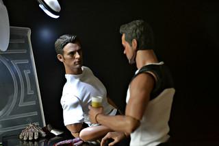 Стив в мастерской Старка