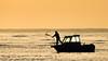 Mejor lugar para pescar (amaneciendo). (jesusgag) Tags: barcos