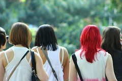 Dare to be different (micolpiovosi) Tags: photography femalephotographer streetphotography street girls woman women hair hairstyle red shirt look style fashion london