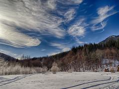 running clouds (Luana 0201) Tags: campulluineag uricani hunedoara romania hay snow traces blue
