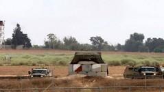 قوات الاحتلال تنصب خياما جنوب بيت لحم (albaldtoday) Tags: خيام الاحتلال بيتلحم