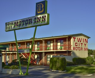 Twin City Motor Inn [Explored]