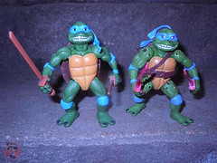 "Nickelodeon ""HISTORY OF TEENAGE MUTANT NINJA TURTLES"" FEATURING LEONARDO -  'MOVIE STAR' LEO iii / ..with Original MOVIE STAR Leo '92 (( 2015 )) (tOkKa) Tags: 2005 toys comic 1988 2006 1993 1992 leonardo figures toysrus 2012 2007 teenagemutantninjaturtles tmnt nickelodeon 2014 2015 displaystand playmatestoys ninjaturtlesthenextmutation toysrusexclusive tmntfastforward toontmnt tmntmovie4 turtlemilkstudios eastmanandlairdsteenagemutantninjaturtles moviestartmnt varnerstudios toonleo paramountteenagemutantninjaturtles 4kidstmnt paramountsteenagemutantninjaturtles tmnt2003 historyofteenagemutantninjaturtlesfeaturingleonardo davearshawsky tmnt2014movie"