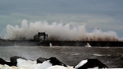 La force de l'océan (pascal_roussy) Tags: océan sea mer tempëte vague quai nature nikon d3100