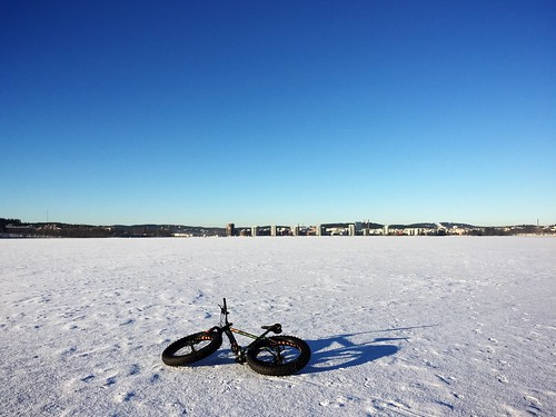 Fatbiking on ice 4