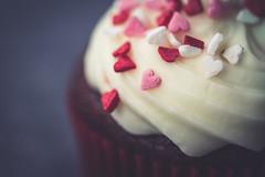 Sweet hearts (Elena L-v) Tags: heart macromonday cupcake macro