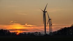 Energiebündnis Sonne und Wind ............ (eulenbilder) Tags: sonnenuntergang himmel abend windräder energie wolken sendenhorst explore