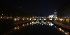 Roma by night (giuseppesavo) Tags: pp9354 pentax photivo pentaxfa2490 k7 linux ubuntumate italia italy roma rome romamor riflessi
