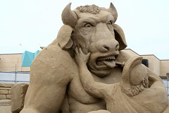 Great Yarmouth SandSculpture Festival - Theseus And The Minotaur (Colonel Blink) Tags: norfolk kitsch expensive greatyarmouth sandsculpture ancientgreece minotaur theseus tedium colonelblink notsepia