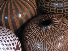 cerámica magnífica en San Juan de Oriente (Nicaragua) (birdfarm) Tags: abstract art geometric ceramic ceramics pot pots badge latinoamerica pottery nicaragua miksang cerámica centralamerica centroamerica sanjuandeoriente ekphrastic