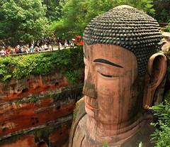Leshan buddha - Right Side (Pat Rioux) Tags: china park statue buddha bouddha leshan sichuan dafo