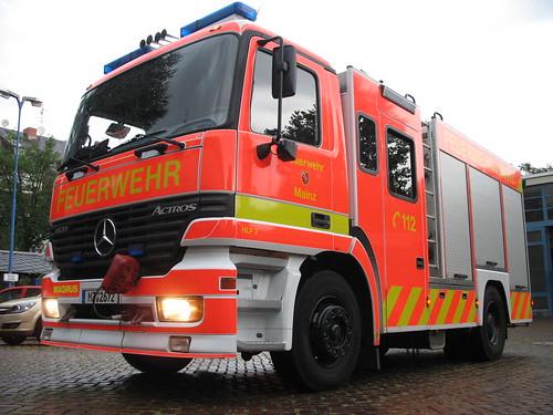 Besuch der Feuerwehr Mainz: HLF 2