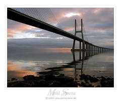 Vasco da Gama Bridge (PG photo) Tags: bridge sunset sol portugal topf25 rio topv111 sunrise wow river dawn topv333 lisboa lisbon ponte fullhouse fv10 tejo vasco madrugada 1on1 gama pr 50v5f topvaa specobject