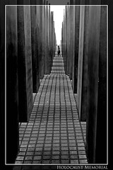 Holocaust Memorial (Payuta Louro) Tags: city trip travel viaje vacation blackandwhite bw monument germany deutschland holocaust photo blackwhite memorial nazi alemania jews vane holocaustmemorial louro 100club suelo berln thegallery exterminio judos cuadrcula 50club