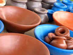 Tadelakt - Ceniceros y vasijas (jose_miguel) Tags: blue espaa orange colors miguel azul digital canon ceramic spain jose colores ixus morocco maroc marrakech marrakesh 55 marruecos naranja jars cermica ashtrays ceniceros instantfave vasijas tadelakt