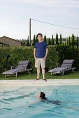 W & YC @ Le Mas des Aknes (avantgarde_w2) Tags: trees house france pool vineyard frankreich flash haus provence blitz cupressus weinberg schwimmbad   nikonsb600 provencealpescotedazur primelens zypressen swimming pool festbrennweite cairanne   nikon35mmf18   lemasdesaknes lepetitameillaud