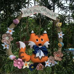 Guirlanda Raposa (Pina & Ju) Tags: flor artesanato guirlanda fox fuxico patchwork enfeite raposa