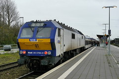 P2120946 (Lumixfan68) Tags: me de 26 eisenbahn mak nob züge 251 loks 2700 di6 baureihe nordostseebahn marschbahn dieselloks sechsachser