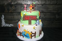Winnie the Pooh 1st birthday (alicia's_cupcakes) Tags: 1stbirthday 2tier kidscake