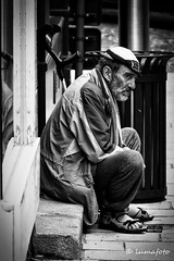 Long days! (lumafoto - luc bauwens) Tags: street waiting armoede bedelaar