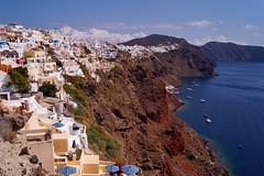 Santorini - Oia - le village 2 - Explore (luco*) Tags: houses village maisons santorini greece grce oia cyclades kyklades hellada flickraward sabtorin flickraward5