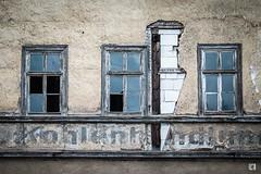 (lotl.axo) Tags: windows abandoned architecture buildings germany deutschland thüringen decay fenster gotha architektur gebäude abandonment verfall lostplaces verlasseneorte architekturdetail