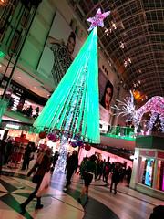 the tree (Ian Muttoo) Tags: christmas toronto ontario canada tree gimp motionblur eatoncentre torontoeatoncentre 20151218173816edit