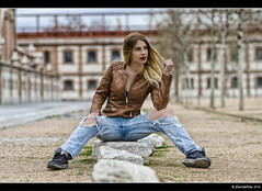 Silvia - 2/5 (Pogdorica) Tags: modelo sesion retrato posado silvia matadero chupa cuero chica sexy