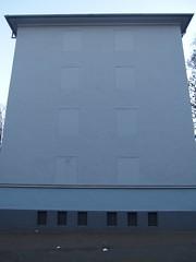 Im Norden ist sie nie zu sehn (mkorsakov) Tags: dortmund nordstadt hafen gebäude building wand wall zugemauert bricked grau grey ödeorte