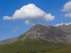 The white cloud (RIch-ART In PIXELS) Tags: cuillins isleofskye scotland leicadlux6 dlux6 leica cloud sky landscape cuillin schotland unitedkingdom mountain mountainridge bualintur glennbrittle