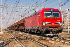 191 015 (atropo8) Tags: 191015 db dbcargoitalia train treno zug merci freight cargo chiasso casalpusterlengo milano rogoredo lombardia nikon d610 loco vectron siemens