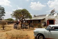 DSC06418_DxO_Bildgröße ändern (Jan Dunzweiler) Tags: madagaskar africanbikers fahrradreise radreise jandunzweiler peugeot404