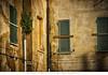 Ortona - Abitazione di tipo Popolare (Andrea di Florio (9.000.000 views!!!)) Tags: andreadiflorio abruzzo abitazione popolare ortona chieti finestra finestre vecchio vecchia casa imposte sbarrate windows
