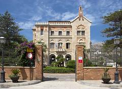 Palazzo Florio (albireo 2006) Tags: italien italy architecture gate italia day clear sicily italie sicilia favignana egadi florio isoleegadi egadiislands villaflorio palazzoflorio