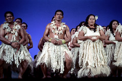 28-505 (ndpa / s. lundeen, archivist) Tags: costumes color men film grass festival fiji 35mm dance costume clothing women dancers dancing stage traditional nick group performance culture suva southpacific 28 tradition 1970s performers 1972 skirts necklaces dewolf oceania collars fijian pacificartsfestival pacificislands grassskirts festivalofpacificarts southpacificislands nickdewolf photographbynickdewolf festpac pacificislandculture southpacificfestival reel28 southpacificartsfestival southpacificfestivalofarts fiji72