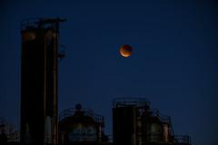 Moon Eclipse (JM Clark Photography (jamecl99)) Tags: seattle park city red orange moon eclipse industrial luna gas gasworks works lakeunion